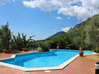 Appartamento Ginestra ,wi-fi, shared pool, Ausonia