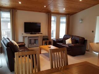 Spacious, beautifully appointed lodge, sleeps 4/5*