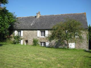 La Ville Michel, a spacious cottage near Dinan