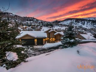 Sunnyside at Deer Valley Resort with Private Hot Tub, and Mountain Views, Park City