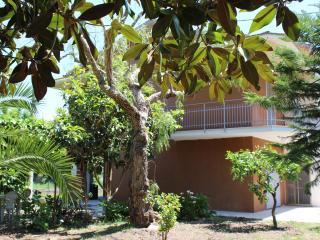 Casa Dallas,wi-fi, ,beach 8 km, thermal baths 8 km, Santi Cosma e Damiano