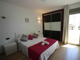 GREAT 3 BEDROOM APARTMENT IN PLAYA D'EN BOSSA!!!, Playa d'en Bossa