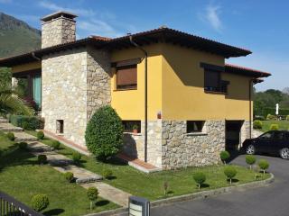 Villamor Llanes, San Roque del Acebal