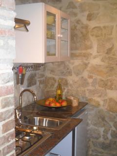 Villa La Rogaia apartment La Mimosa - kitchenette