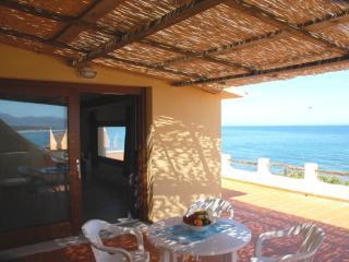 Sul mare, panoramico appartamento Internet free, Valledoria