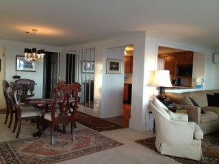 Waterfront, Spacious West End, 3/2, Beach Access, Provincetown