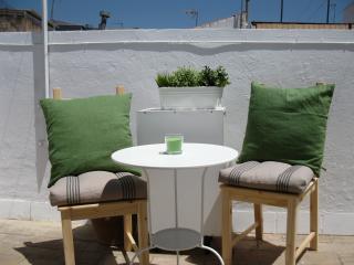 Coqueto Ático - Estudio ALFALFA con terraza, Sevilla