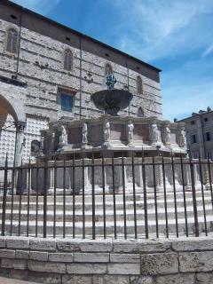 Perugia Piazza Duomo
