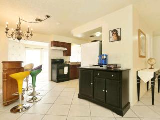 Entire House Hook Up: 4Br 2Ba House & Private POOL, Las Vegas