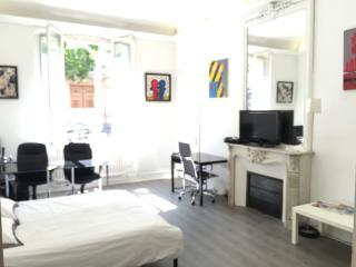 Luxe Apartment 65m2 Champs elysées etoile T.Eiffel