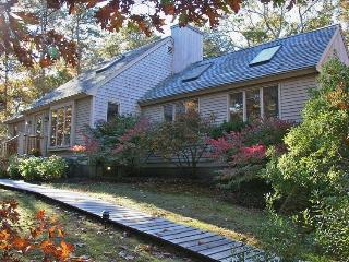 Prestigious Majors Cove Home with Central Air, Edgartown