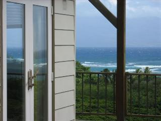 An Ocean View from Every Room!  Private & Tranquil, Kaunakakai