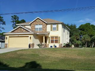 Near Gulf Beaches Family and Pet Friendly, North Port