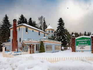 Alexander's Lodge & Restaurant At Mt Rainier (Breakfast Included), Ashford