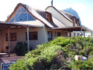 Waterblom, artistic seaview retreat, Pringle Bay