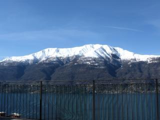 Bilocale con splendida vista lago, Dorio