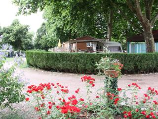Mooi challet op leuke camping in Etang sur Arroux, Etang-sur-Arroux