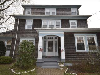CLOSE TO BEACH AND TOWN, Kearney Cottage, Cape May