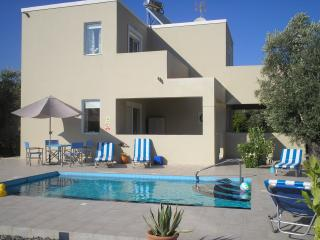 Olive Tree Villa big discounts for last available weeks 4th july, 22 nd august