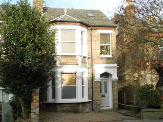 Chiswick 2 bedroom garden Flat