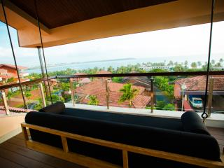 Luxurious Balinese Sea View Villa w/ infinity pool, Bardez
