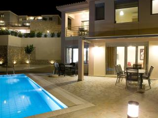 Villa Galini-Luxurious and Comfort and relaxation  with private swimming pool, Lygia