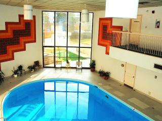 INDOOR SALT WATER POOL & HOT TUB, Edmonton