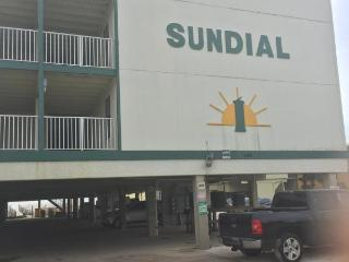 SUNDIAL, JUST A FEW STEPS FROM THE BEACH!20%0FF!!, Gulf Shores
