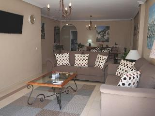 APARTMENT IN LA MAESTRANZA  WI-FI IPTV POOL PARKING. PUERTO BANUS (MARBELLA)