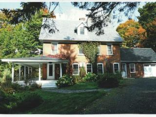 Small manor house for rent, North Hatley
