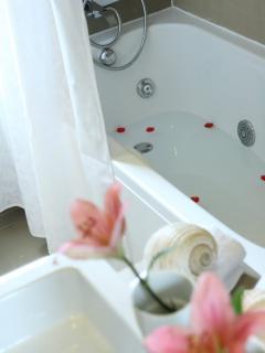Bathroom with hydromassage bathtub