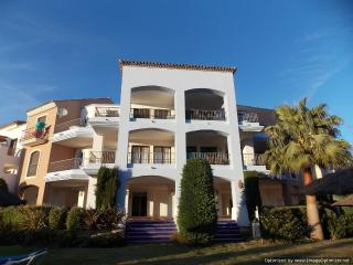 Beautiful 3 Bedroom Penthouse Los Arqueros R118, Benahavis