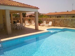 villa con piscina lido pizzo, Baia Verde