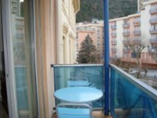 flat with balcony in  spa town below the Pyrenees, vacation rental in Amelie-les-Bains-Palalda