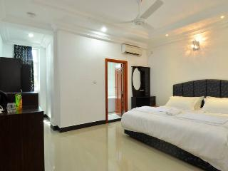 Modern Beachfront Apartment - Near Int'l Airport, Hulhumale