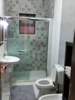 Master Bathroom (ensuite)