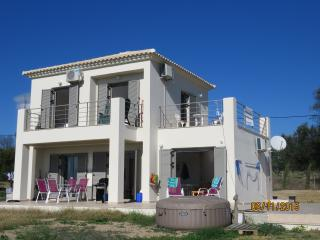 Kiparissi Villa, Methoni