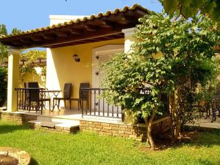 Villa 4 beds with pool  on Corfu island