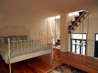 Duplex in the Heart of the Design District, Montevideo
