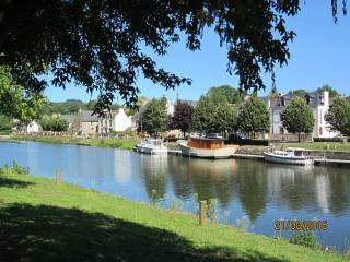 Cottage St Nicolas des Eaux, Pool, Bikes, Boat, Pontivy