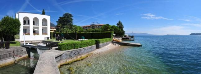 A view of the Villa from the Lake garda