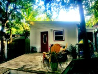Key West Cottage with private deck and gate