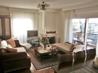 Classy Apartment 100m², Near Centre, Thessalonique