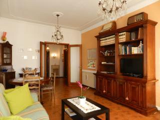 Casa Edda Firenze, appartamento ampio e posto auto