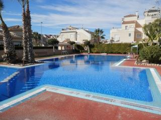 Air conditioned 3 Bedroom House with communal pool