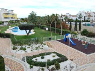 Villamartin Apt 2 Bed 2 Bath Modern Beaches, Golf, Sun & Fun !!!