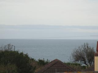 Spacious  bungalow with sea views.Close to Beach, Newquay