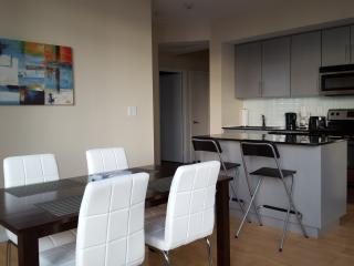2 Bed Stylish Downtown Condo Harbourfront, Toronto