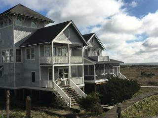 3 BR, 3 1/2 BA South Beach with great ocean views, Bald Head Island