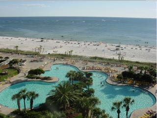 Edgewater Beach Resort 3/3 Gulf Front!, Panama City Beach